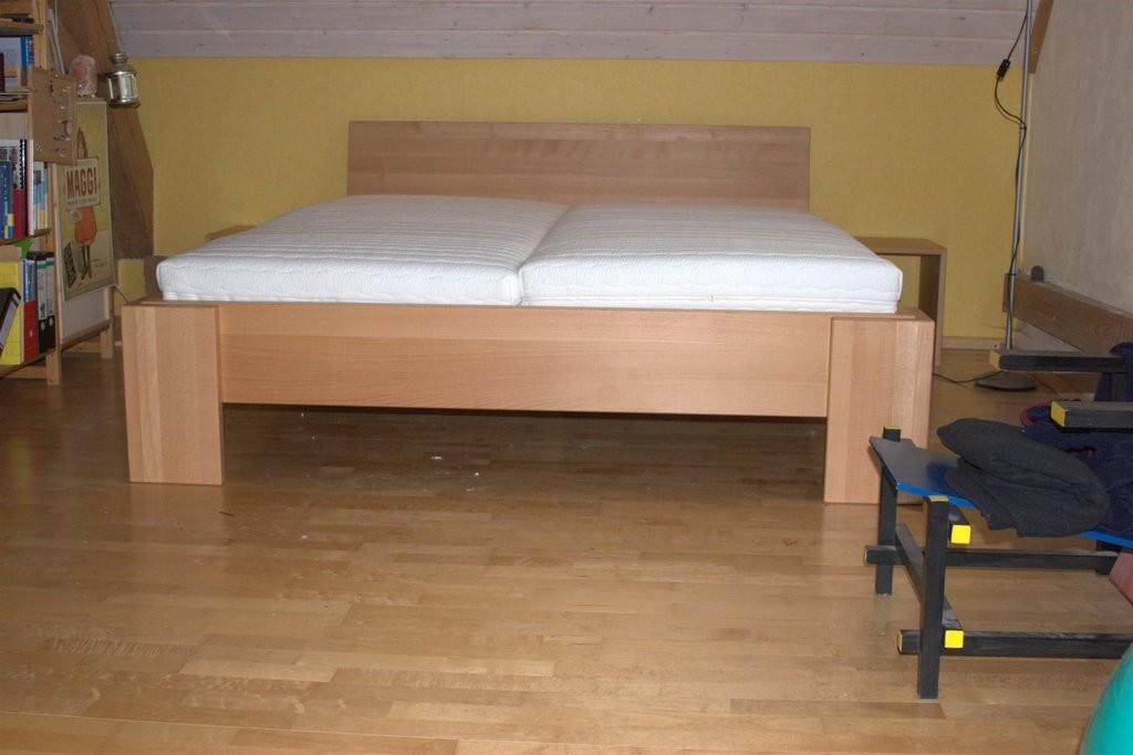 Bett massiv